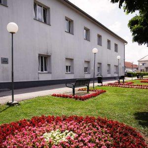 Dom-Ivana--Naslovnica-zgrada